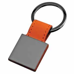 Брелок Магия черного квадратный; оранжевый; 7,3х3 см; металл, иск. кожа